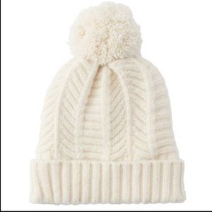 LOVE AND LORE CHEVRON KNIT HAT IVORY